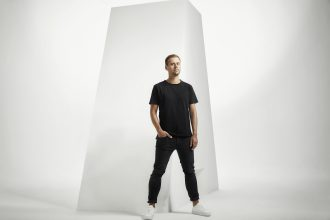 "Armin van Buuren ist mit Avian Grays feat. Jordan Shaw auf ""Kontor Top Of The Clubs"" Volume 83 vertreten. Foto: Ruud Baan/Kontor Records"