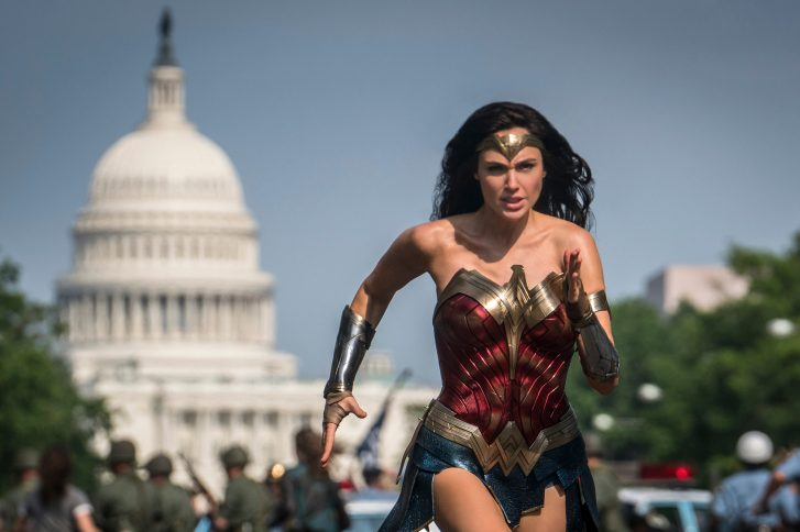 """Wonder Woman 1984"" kämpft im Kino"